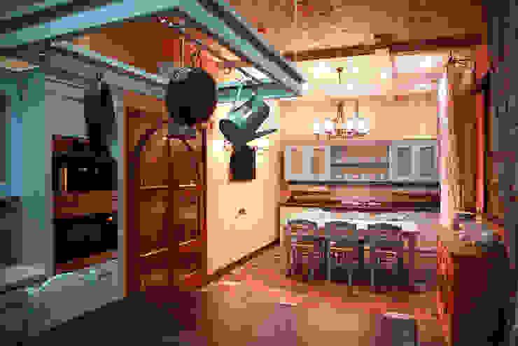 Столовая. Кухня в стиле кантри от Мария Остроумова Кантри