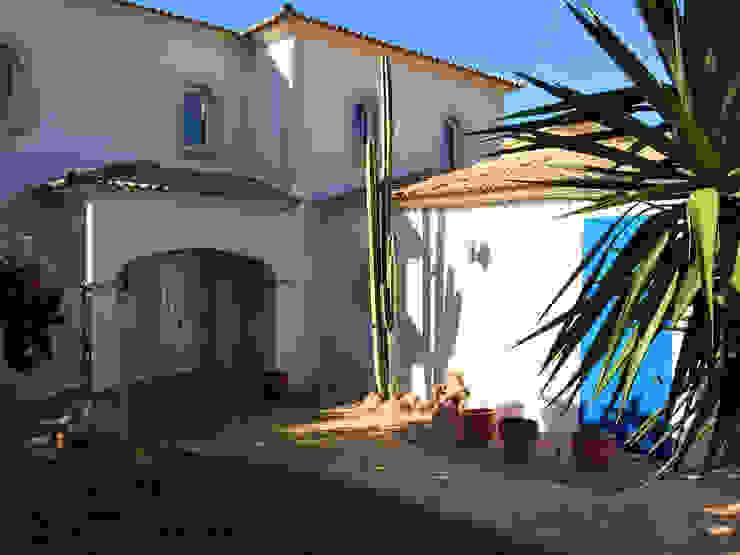 Wunderschönes Meerblick Chalet im maritimen Stil Mediterrane Häuser von INSIDE tp Mediterran