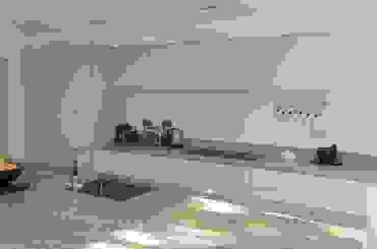 The Modern Kitchen in Wimbledon Modern kitchen by Simon Benjamin Furniture Modern