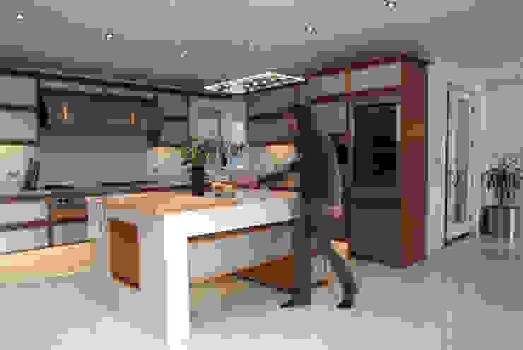 'Lofties' Nottinghamshire Minimalist kitchen by Rayner Davies Architects Minimalist