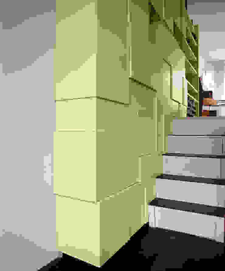Form Follows Volume cabinet Minimalistische woonkamers van Diederik Schneemann Minimalistisch