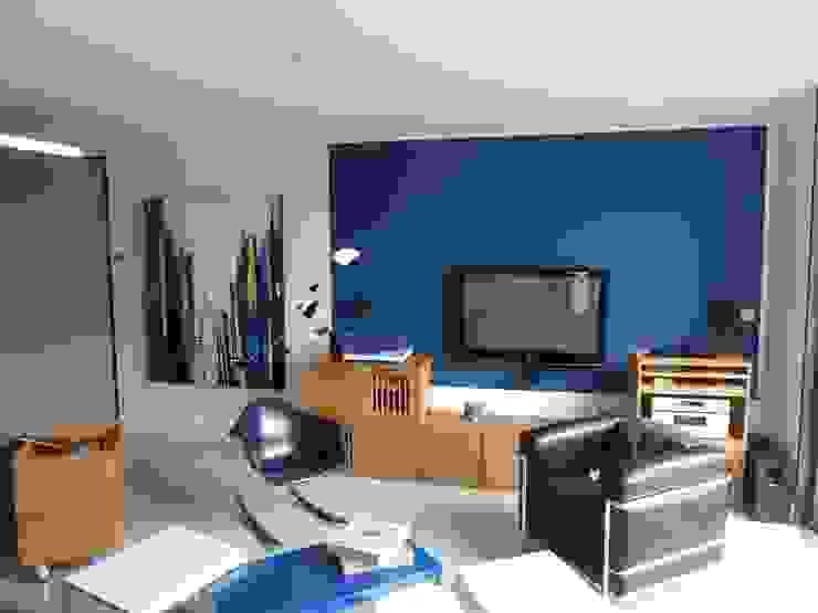 Modern living room by virginie DEVAUX Modern