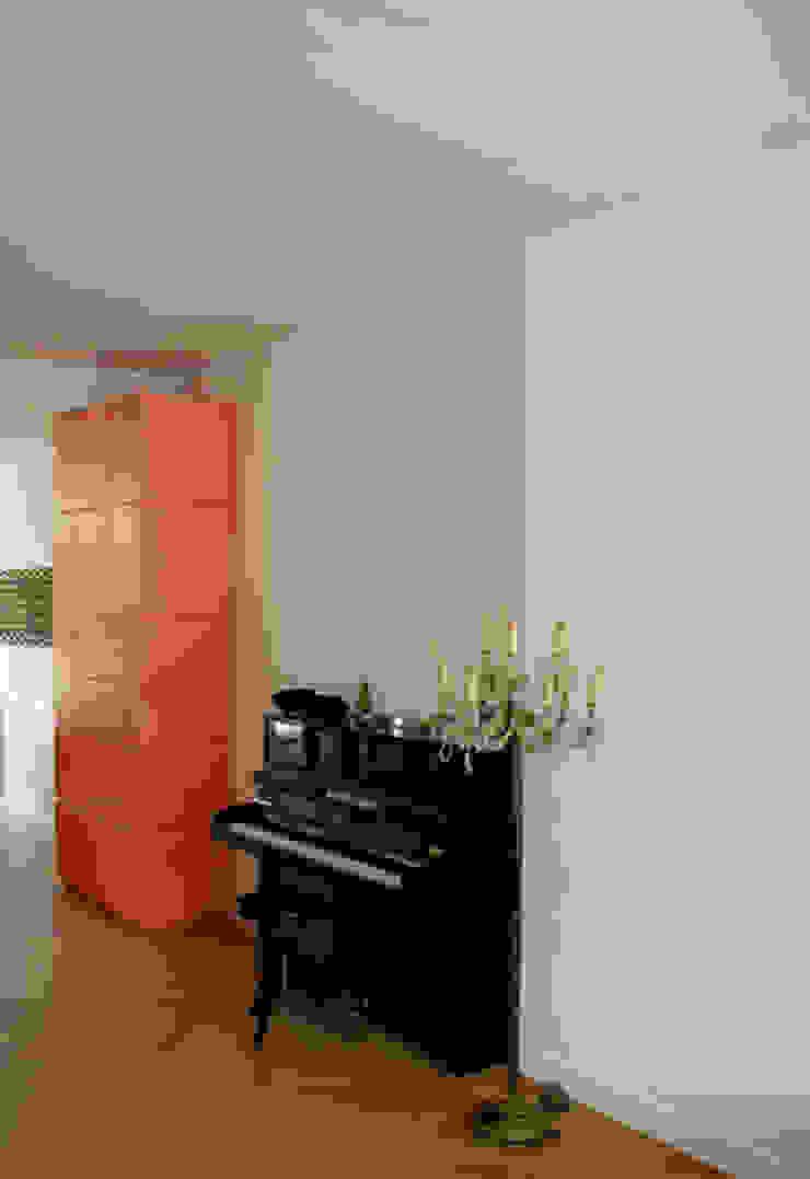 Diederik Schneemann Living roomCupboards & sideboards