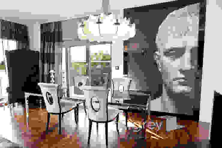 Glamur Apartment 110m2 Klasyczna jadalnia od TiM Grey Interior Design Klasyczny
