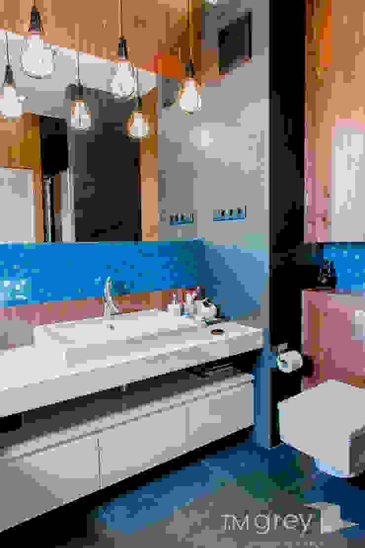 Modern Apartment – 100m2 Nowoczesna łazienka od TiM Grey Interior Design Nowoczesny