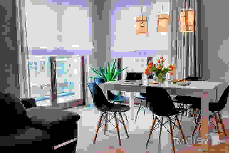 Ruang Makan by TiM Grey Interior Design