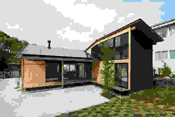 Rumah Gaya Eklektik Oleh 松島潤平建築設計事務所 / JP architects Eklektik
