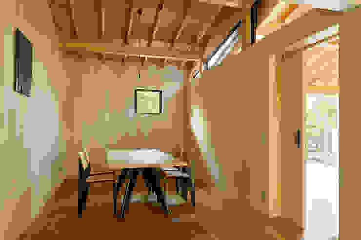 松島潤平建築設計事務所 / JP architects Eclectic style dining room