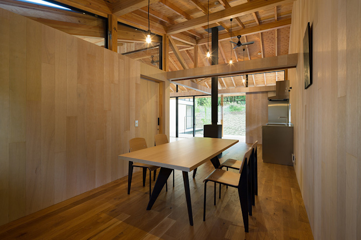 Qilin オリジナルデザインの ダイニング の 松島潤平建築設計事務所 / JP architects オリジナル