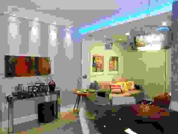 Sala, iluminação e arte Salas de estar modernas por Lúcia Vale Interiores Moderno
