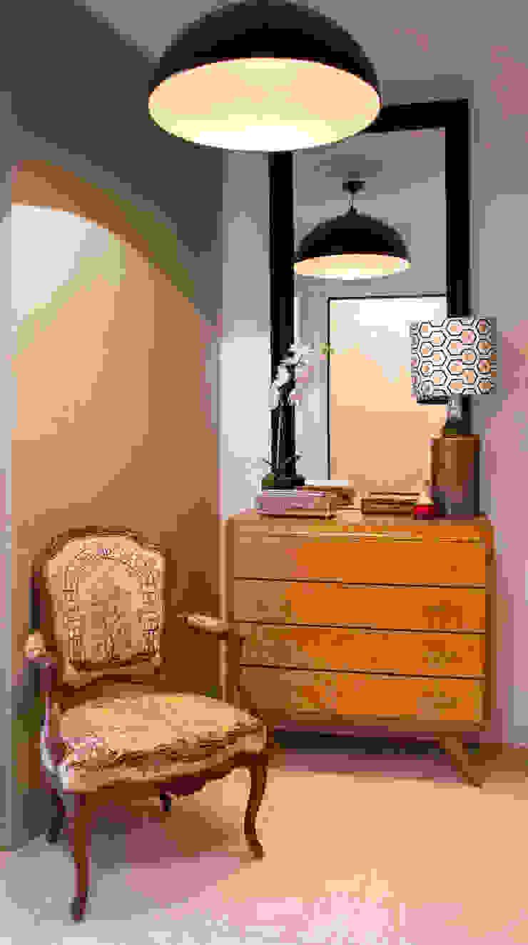 Maurine Tric Corridor, hallway & stairsDrawers & shelves