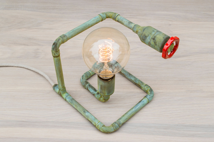 STOPO Copperl Table Lamp van homify Scandinavisch