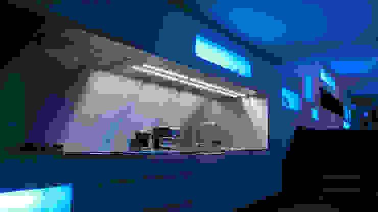 Droomhuis met 'Ambylight' Moderne keukens van Lab32 architecten Modern