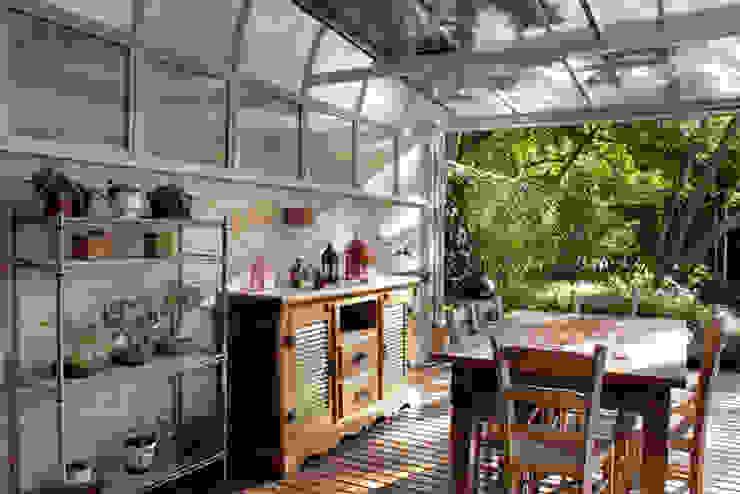 Casa Três Figueiras Varandas, alpendres e terraços rústicos por Carina Fraeb Arquitetura Rústico