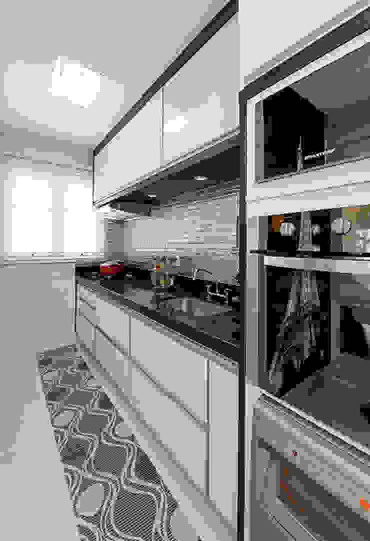 Modern style kitchen by Designer de Interiores e Paisagista Iara Kílaris Modern