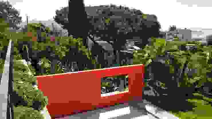 Nazarian Espaces Verts Mediterranean style garden