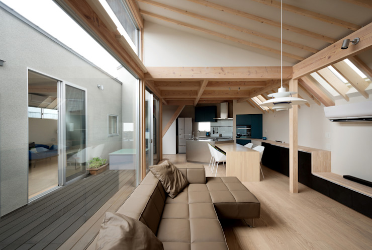 Ruang Keluarga by 充総合計画 一級建築士事務所