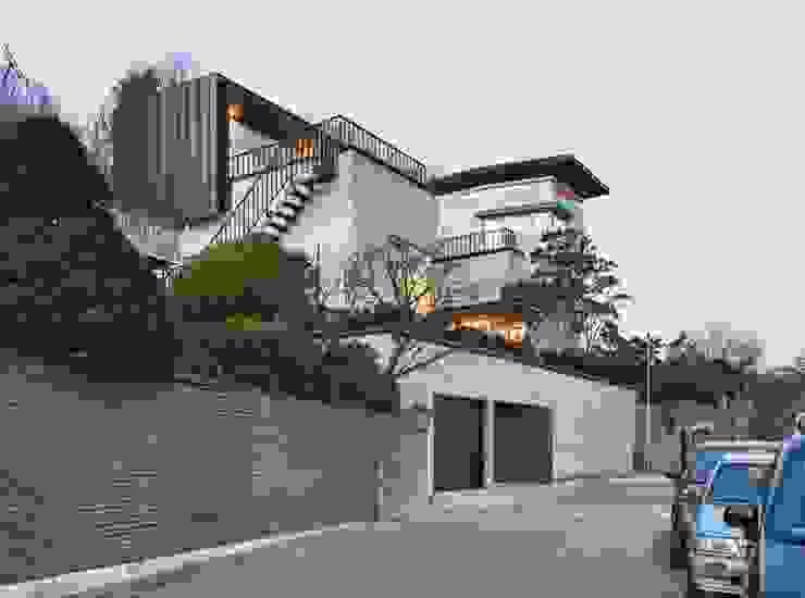 Maisons de style  par 제이에이치와이 건축사사무소