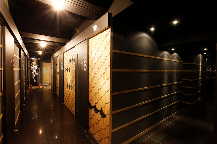 박스(3M X 2.5M) 아시아스타일 벽지 & 바닥 by W.H.A.I LAB 한옥