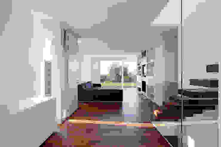 Casa LP Soggiorno moderno di Studio Gerosa Moderno