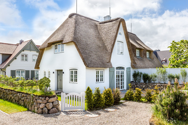 Country style houses by Immofoto-Sylt Country