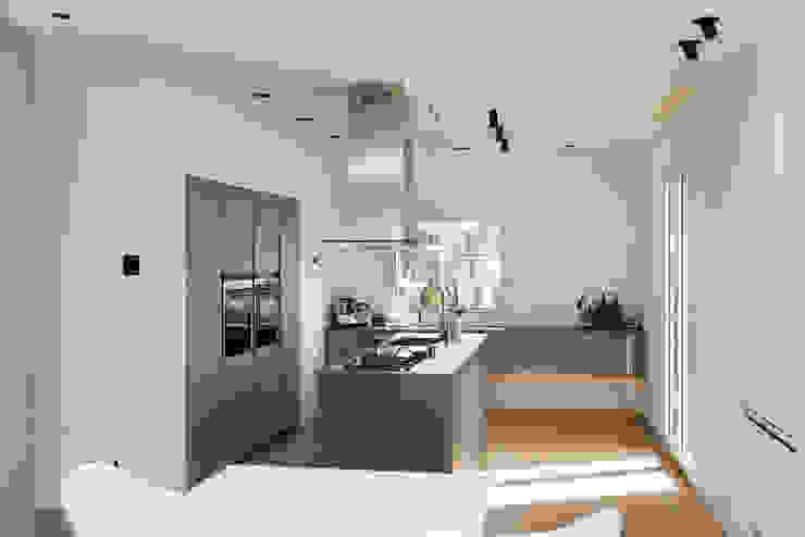 Cucina Cucina moderna di Studio Vesce Architettura Moderno