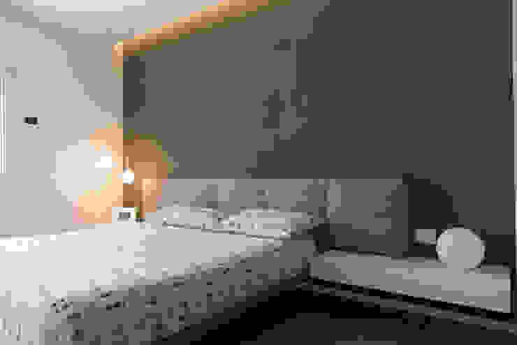 Schlafzimmer von Studio  Vesce Architettura, Minimalistisch