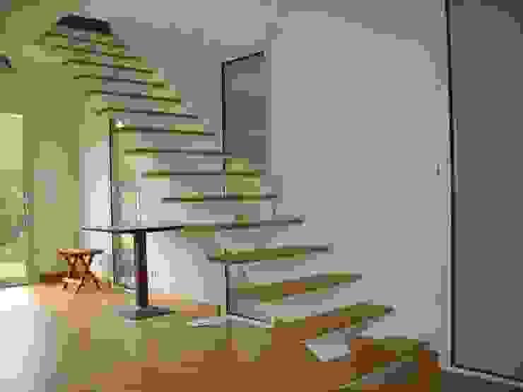 Extension Maison à Sucé-Sur-Erdre SERAIN-LOUKAKOU ARCHITECTEURS Salon minimaliste