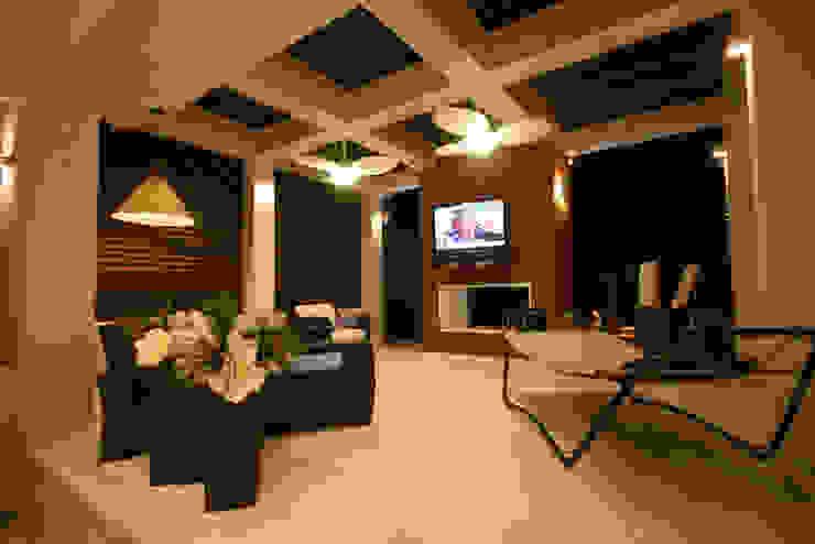 Modern balcony, veranda & terrace by FJ Novaes Light Projects Modern