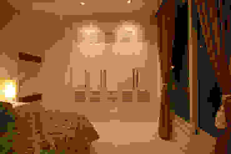 Dormitorios modernos de FJ Novaes Light Projects Moderno