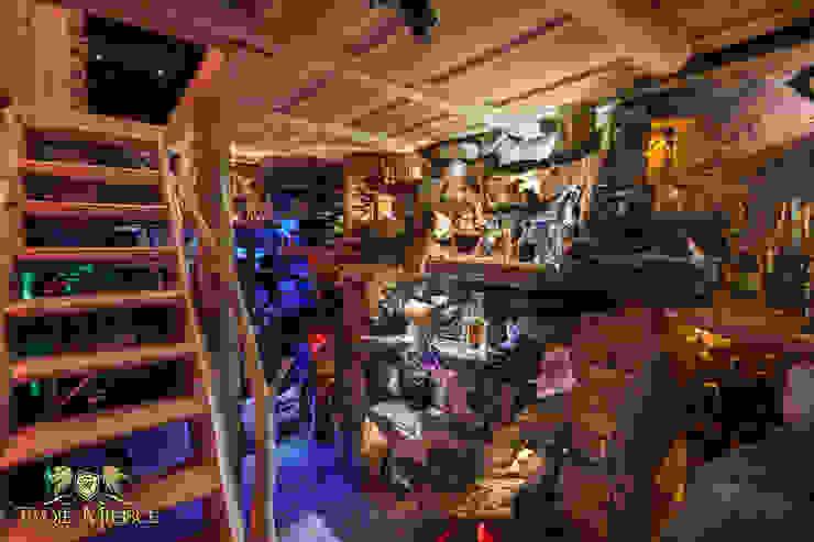 Oświetlenie piwniczki, kamień, cegła Klasyczna piwnica win od Twoje Miejsce Klasyczny