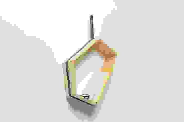 Sling: modern  von Weena Lee Industrial designer,Modern
