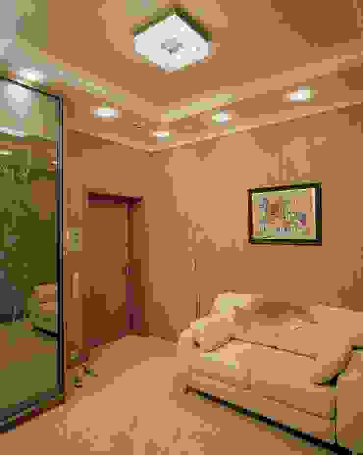Интерьеры двухкомнатной квартиры Коридор, прихожая и лестница в эклектичном стиле от дизайн студия 'LusiSarkis ' Эклектичный