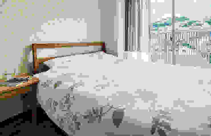 山本通の家 寝室: 株式会社seki.designが手掛けた寝室です。,北欧