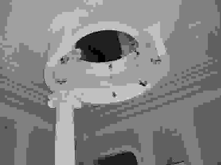 Холл в салоне красоты. от Наталья Дубовая Charman-design Классический