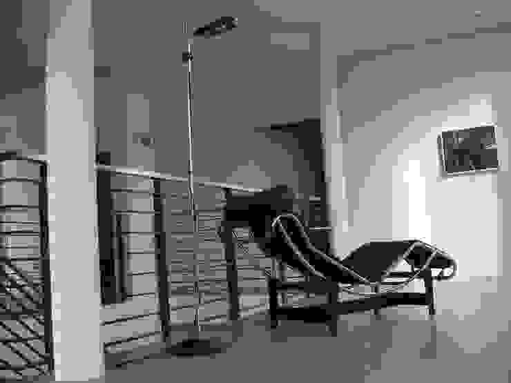 Galerie im Obergeschoss Moderne Wohnzimmer von homify Modern