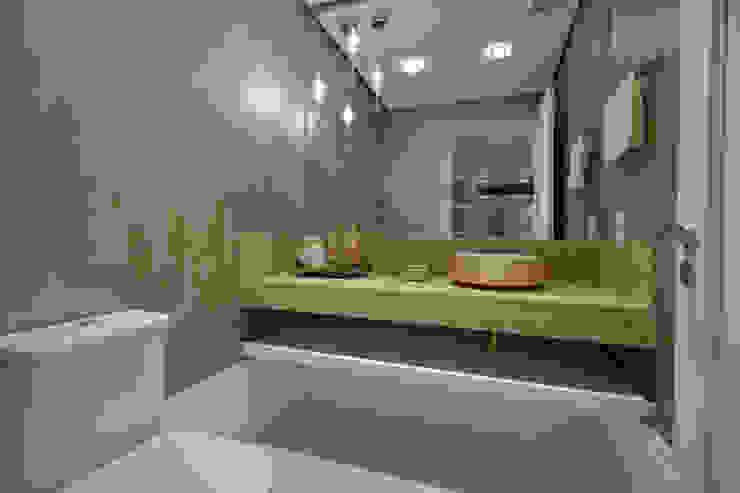 Lavabo Banheiros modernos por Stúdio Márcio Verza Moderno