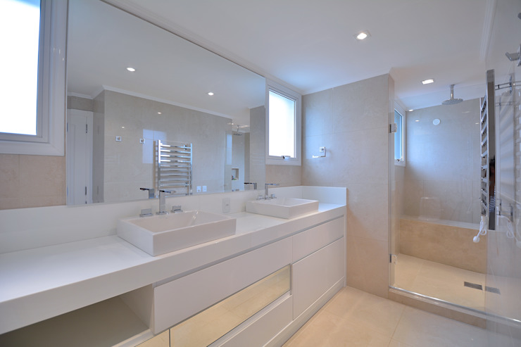 Banho casal Banheiros modernos por Stúdio Márcio Verza Moderno