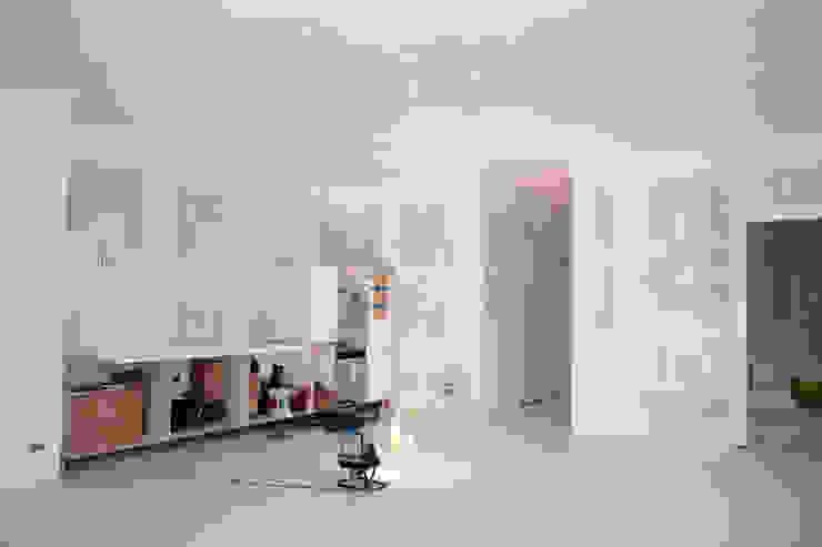 por WandenPlafondSpuiten.nl | latex spuiten | spack spuiten | stucwerk, Moderno