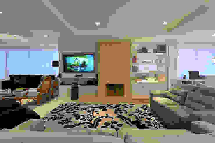 Home theater Salas de estar modernas por Stúdio Márcio Verza Moderno