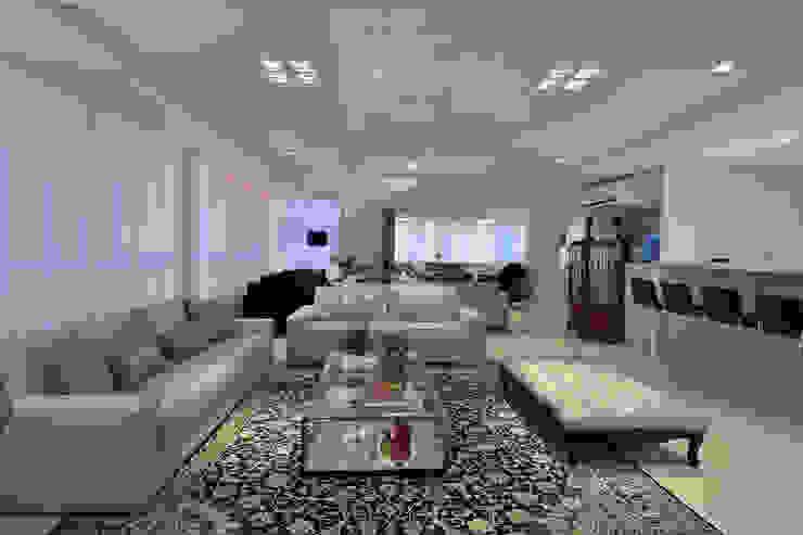 Living Salas de estar modernas por Stúdio Márcio Verza Moderno