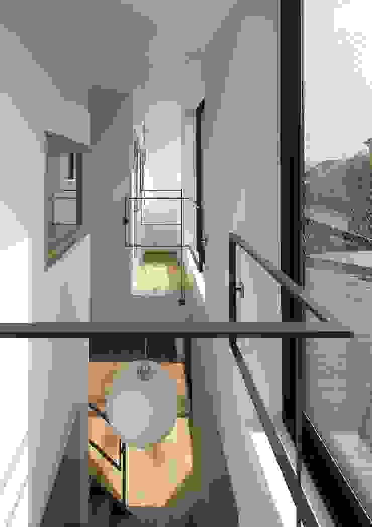 寝屋川の家 Huse of Neyagawa モダンスタイルの 玄関&廊下&階段 の 林泰介建築研究所 モダン
