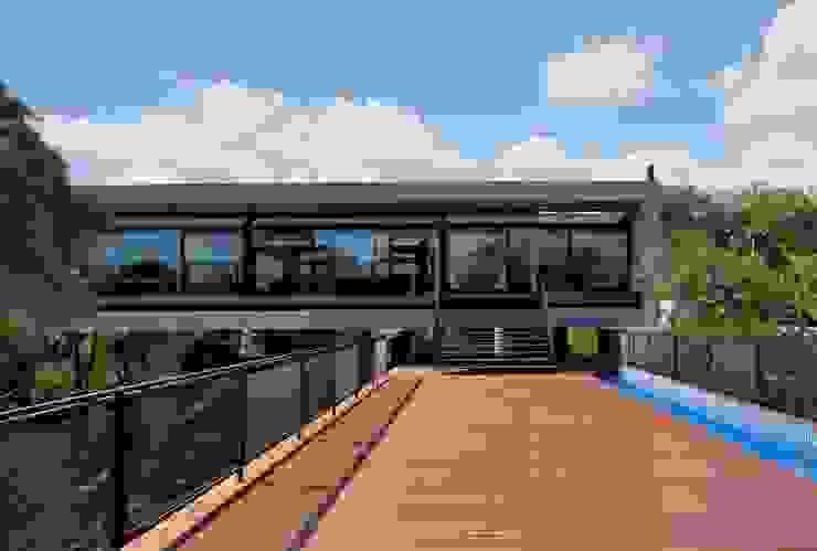 Casas de estilo moderno de Marcos Bertoldi Moderno