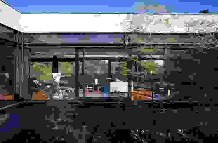 Casa | LM | Salas de estar modernas por Marcos Bertoldi Moderno