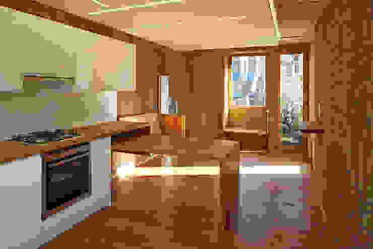Family room Scandinavian style living room by Satish Jassal Architects Scandinavian
