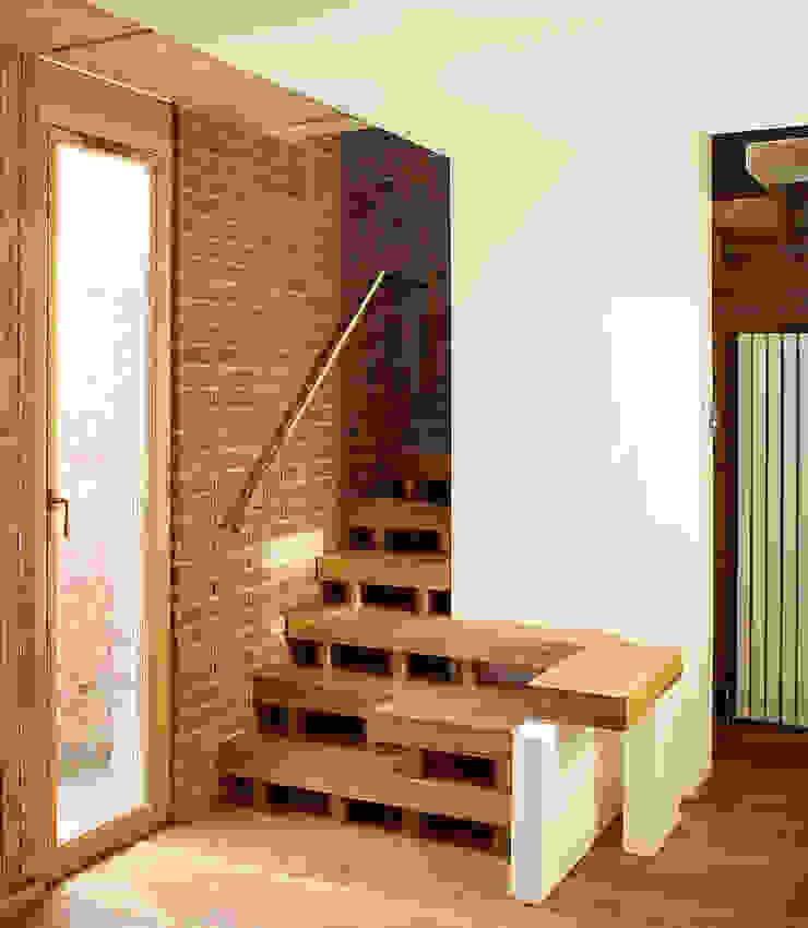 Staircase Modern corridor, hallway & stairs by Satish Jassal Architects Modern