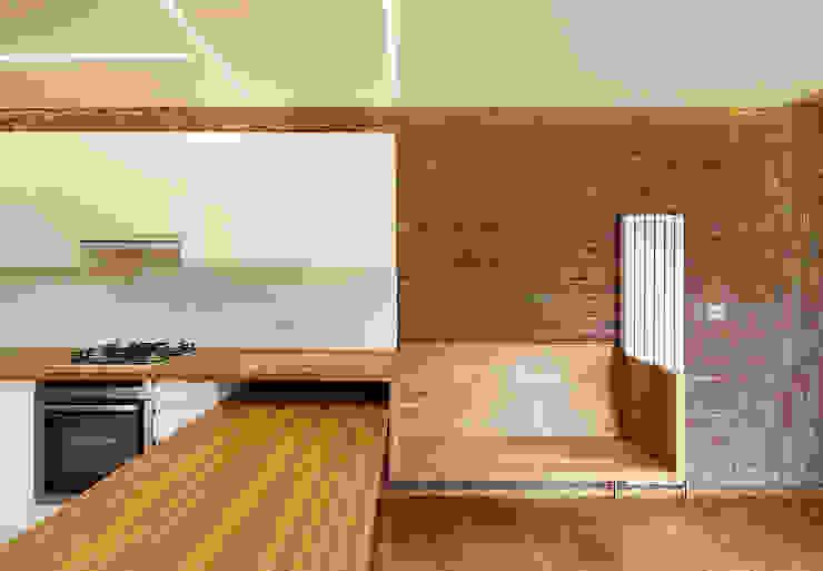 Haringey Brick House: scandinavian  by Satish Jassal Architects, Scandinavian