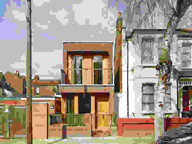 Haringey Brick House Дома в стиле модерн от Satish Jassal Architects Модерн