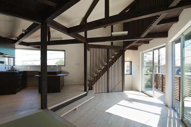 Modern living room by 充総合計画 一級建築士事務所 Modern