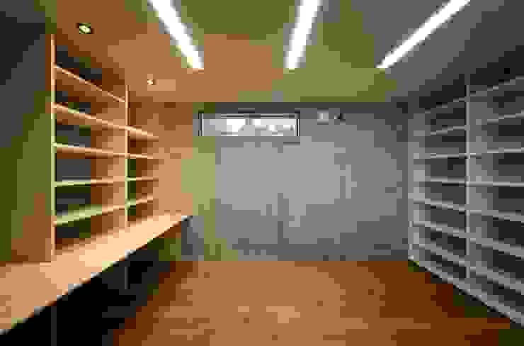 Modern style media rooms by 充総合計画 一級建築士事務所 Modern